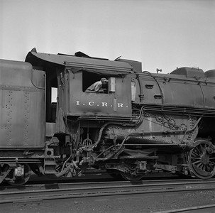 2018.008.IC.S.0952--bruce meyer 120 neg--ICRR--steam locomotive 2-10-2 2807 detail--Paducah KY--1957 0715