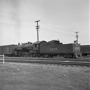 2018.008.IC.S.0579--bruce meyer 120 neg--ICRR--steam locomotive 2-8-2 1691--Champaign IL--1956 1018