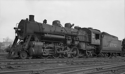 2018.008.IC.S.3587--bruce meyer PC neg--ICRR--steam locomotive 2-8-2 1732--East St Louis IL--1949 0404