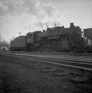 2018.008.IC.S.0309--bruce meyer 120 neg--ICRR--steam locomotive 2-8-2 2125 switching action--Bloomington IL--1955 1123