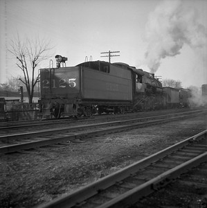 2018.008.IC.S.0310--bruce meyer 120 neg--ICRR--steam locomotive 2-8-2 2125 rear tender view switching action--Bloomington IL--1955 1123