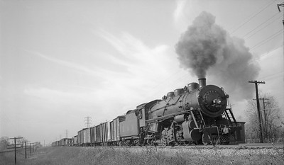 2018.008.LM.S.12--bruce meyer 116 neg--L&M--steam locomotive 2-8-2 157 on freight train action--Madison IL--1940 1118