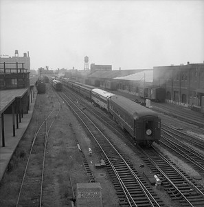 2018.008.WAB.PD.031--bruce meyer 35mm neg--WAB--hind end of passenger train Banner Blue at Dearborn Station--Chicago IL--1958 0828