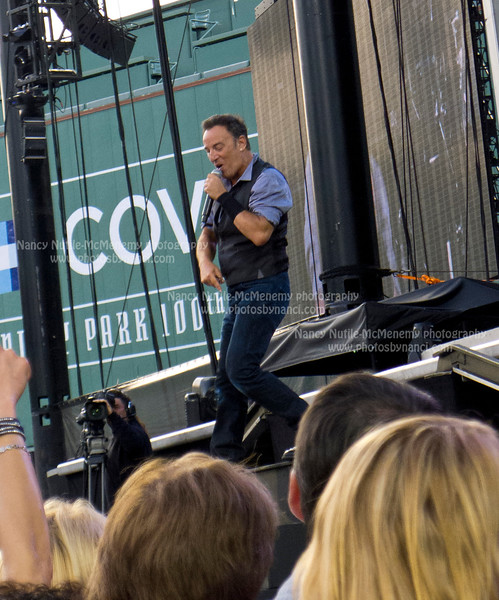 Bruce Springsteen and the E Street Band Fenway Park Boston MA August 14, 2012 Copyright ©2012 Nancy Nutile-McMenemy www.photosbynanci.com More images: http://www.photosbynanci.com/brucespringsteen.html Videos: http://www.youtube.com/user/nnmvt?feature=mhee