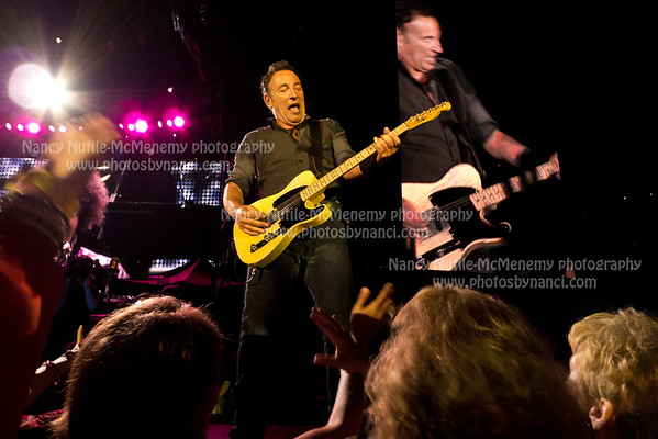 Bruce Springsteen and the E Street Band Gillette Stadium Foxboro MA August 18, 2012 Copyright ©2012 Nancy Nutile-McMenemy www.photosbynanci.com More images: http://www.photosbynanci.com/brucespringsteen.html Videos: http://www.youtube.com/user/nnmvt?feature=mhee