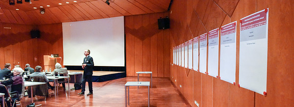 Heimatsymposium(c)TomGarrecht_22_1FO2002