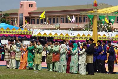 Das Organisationskomitee sagt Good Bye zum Sultan und seiner Familie.