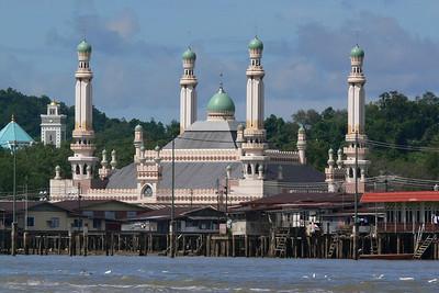 Eine Moschee in der Wasserstadt: Kampong Ayer