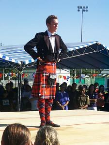 Schottischer Tanz Neben starken gab es auch schöne Männer zu sehen.