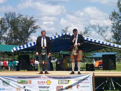 Eröffnung der Highlandgames Chris (Managing Director BSP) und John eröffnen die Highlandgames. Die Jacken und Schlipse wurden gleich danach abgelegt...