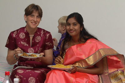 Helga mit der indischen Braut.