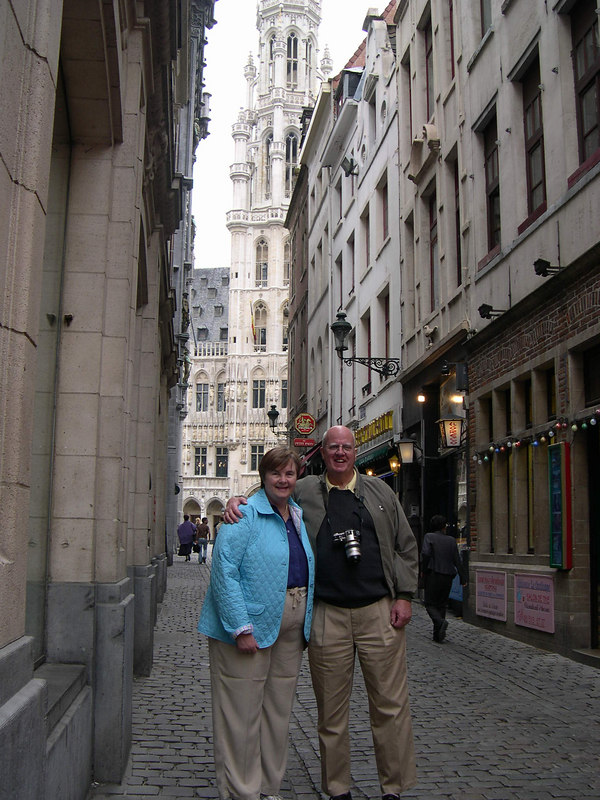 Dale and Susan in an alley way leading to the Grand Place.