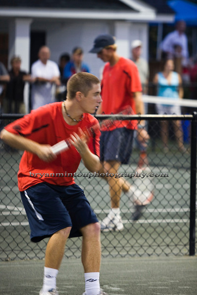 Dean preparing for a forehand