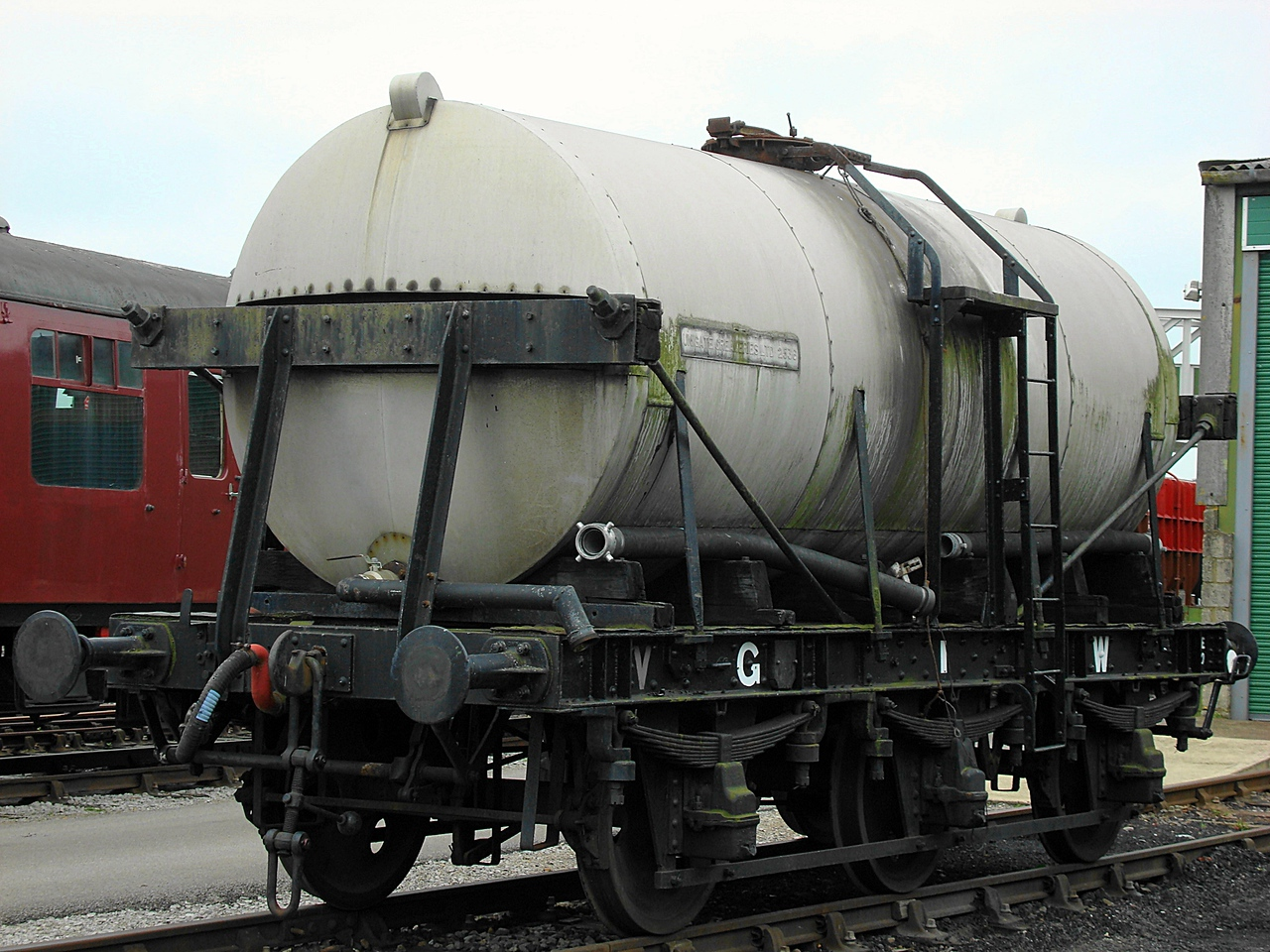 GWR 2536 Six-wheel milk tanker 16,05,2008.