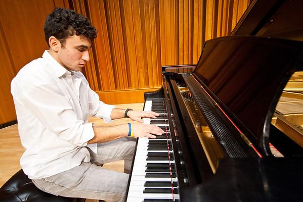 Pianist Jordan Makansi