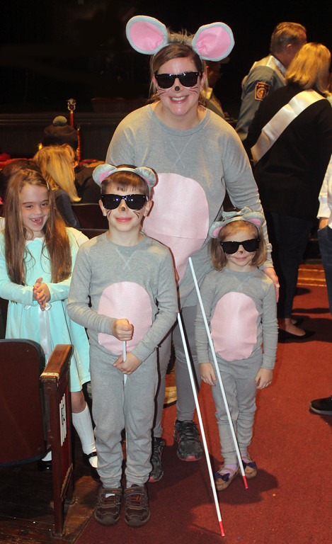 . Sarah, Jackson and Catherine White as Three Blind Mice.