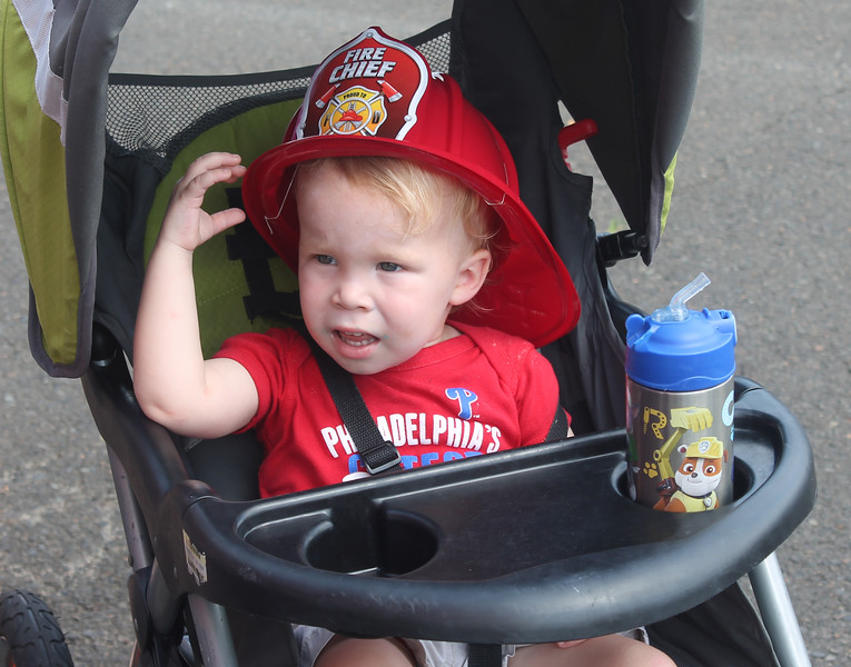 Volunteer Yardley-Makefield firefighters handed out free fire hats to the kids. Looks like Chief Glenn Chamberlain will have a lot of new fire chiefs in future years.