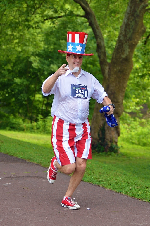 . Wesley Perkins of Pennsauken, N.J., dressed as Uncle Sam in 5K Run. (photo by John Gleeson)