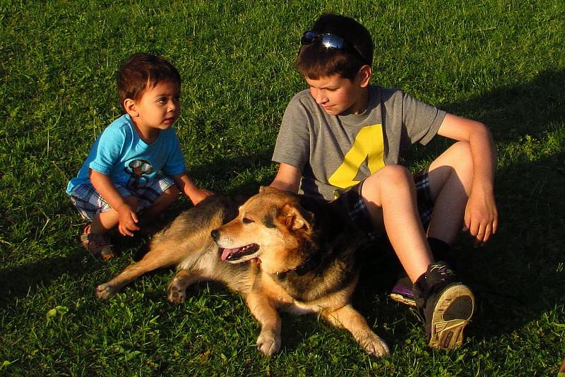 Maddie, dino, children, towpath, reshav, 11