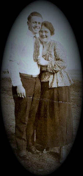 Byron (Bud) William Yaden - 1915 - Age 18 - Woman unknown - Shoshone, ID
