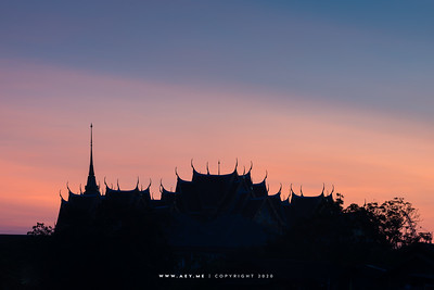 The Silhouette of the Grand Palace view from Wat Arun