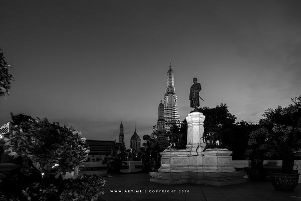 King Rama II Monument, Wat Arun Ratchawararam