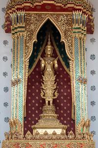 Phra Buddha Narumitม Wat Arun Ratchawararam (The Temple of Dawn)