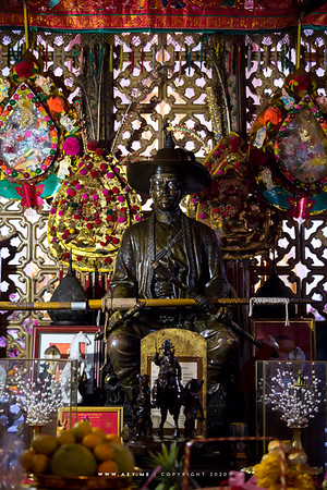 King Taksin Statue, Wat Arun Ratchawararam
