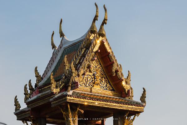 Prince Lakshmana on Hanuman, West Pediment, Bovornwong Belfry, Wat Benchamabophit