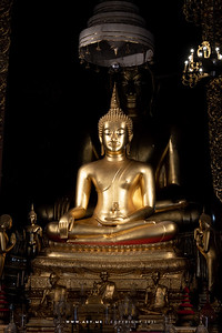 Phra Phuttha Chinnasri and Phra Phuttha Suwannaket, Phra Ubosot, Wat Bowonniwet