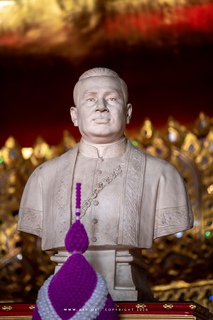 King Rama III Statue, Wat Kalayanamitr