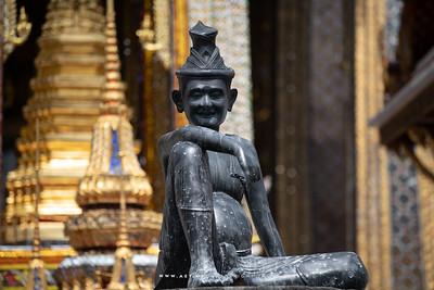 The Statue of Cheewok Komaraphat, Wat Phra Sri Rattana Satsadaram (Wat Phra Kaew)