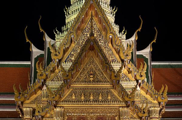 The Insignia of King Rama IV, on the East Pediment of Prasat Phra Dhepbidorn (The Royal Pantheon), Wat Phra Sri Rattana Satsadaram (Wat Phra Kaew), Grand Palace