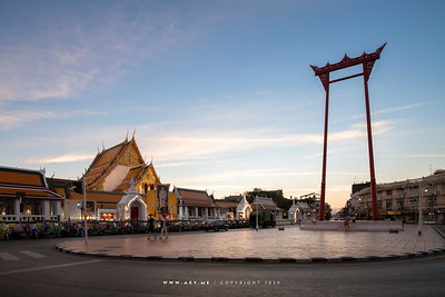 Phra Vihara, Wat Suthat Thepwararam and the Giant Swing