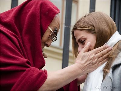 Vítání Jeho Svatosti 14. dalajlamy v ČR │ Welcoming HH Dalai Lama in Czech Rep 2016 │ Aneta Langerová
