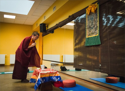 Dolpo Tulku Rinpoche prostrating in the beginning of teaching, Prague December 2013.