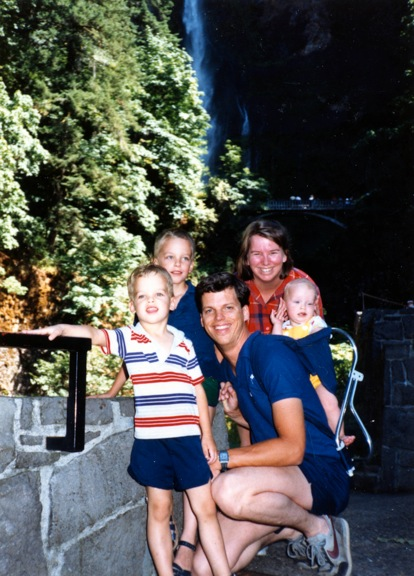 1987_Multnomah_Falls