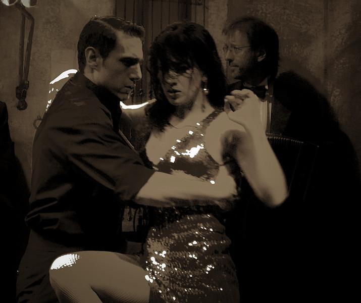 Tango Moves.