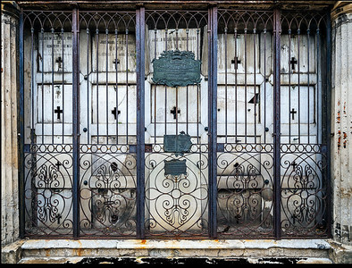 Burial Crypts Recoleta Cemetery Copyright 2020 Steve Leimberg UnSeenImages Com _DSF8544