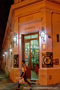ARGENTINE. BUENOS AIRES. QUARTIER DE PALERMO. Le restaurant epicerie El Preferido situé en face de la maison natale de Borges et datant de 1952