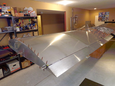 Note the one-piece aileron - access to an 8-foot brake!