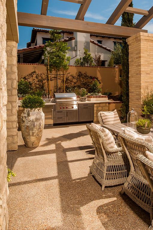 Innovative Outdoor Kitchens: Brown Jordan Outdoor Kitchens