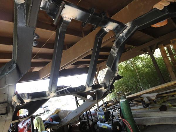 Bottom side welds before grinding/sandblasting, and painting AGAIN !