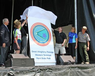 Western Terminus marker design unveiling