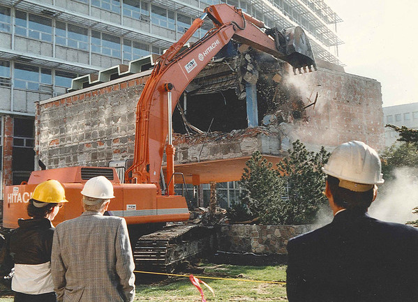 A gaping hole marked the beginning of the end of the former city hall in the summer of 1989.  Hole marks the beginning of the end of council chambers.