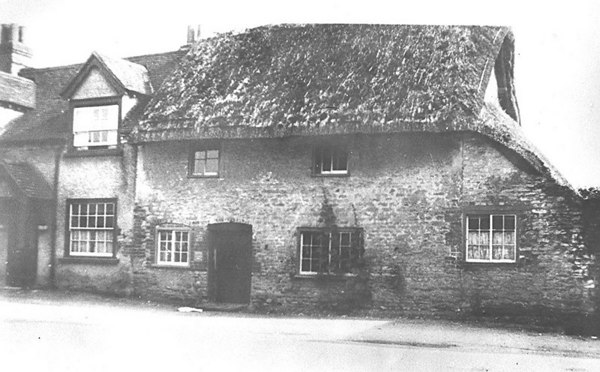 "<center><font size=3><u> - High Street Cottage - 1910 - </u></font> (BS0336)  To the left is the house lived in by Bert Rye, manager of The International Stores, the predecessor of Somerfields. By the 1920s the thatched cottage had been refurbished.  See page 53 of ""Benson - A Century of Change"". </center>"