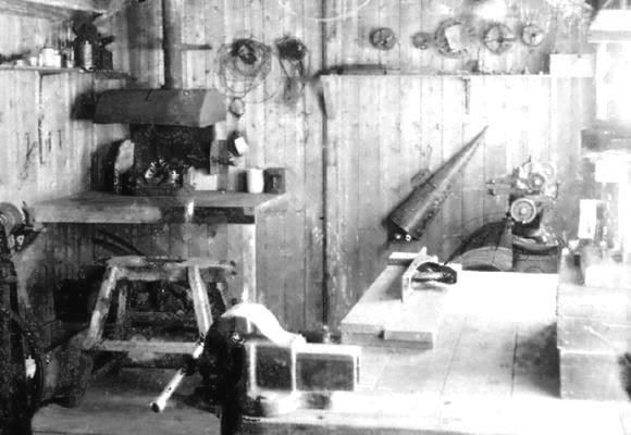 "<font size=3><u> - Dines Observatory Workshop - </u></font> (BS0061)  Interior.  For full details of the Observatory, see Page 112 of ""Benson, A Century of Change""."
