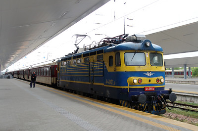 44 001 at Sofia Central on 10th October 2015 (5)