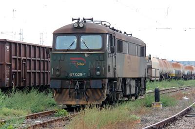 2) BZK, 87 029 at Karnobat on 1st October 2015