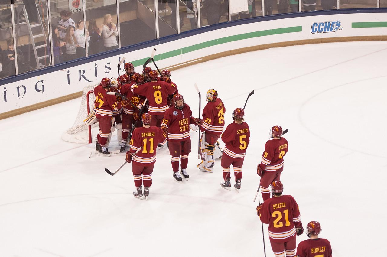 Hockey vs ND_January 25, 2013DSC_1800
